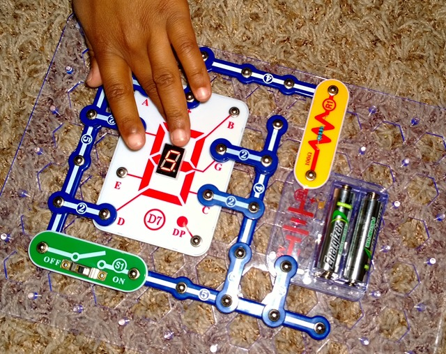snap circuits electronics