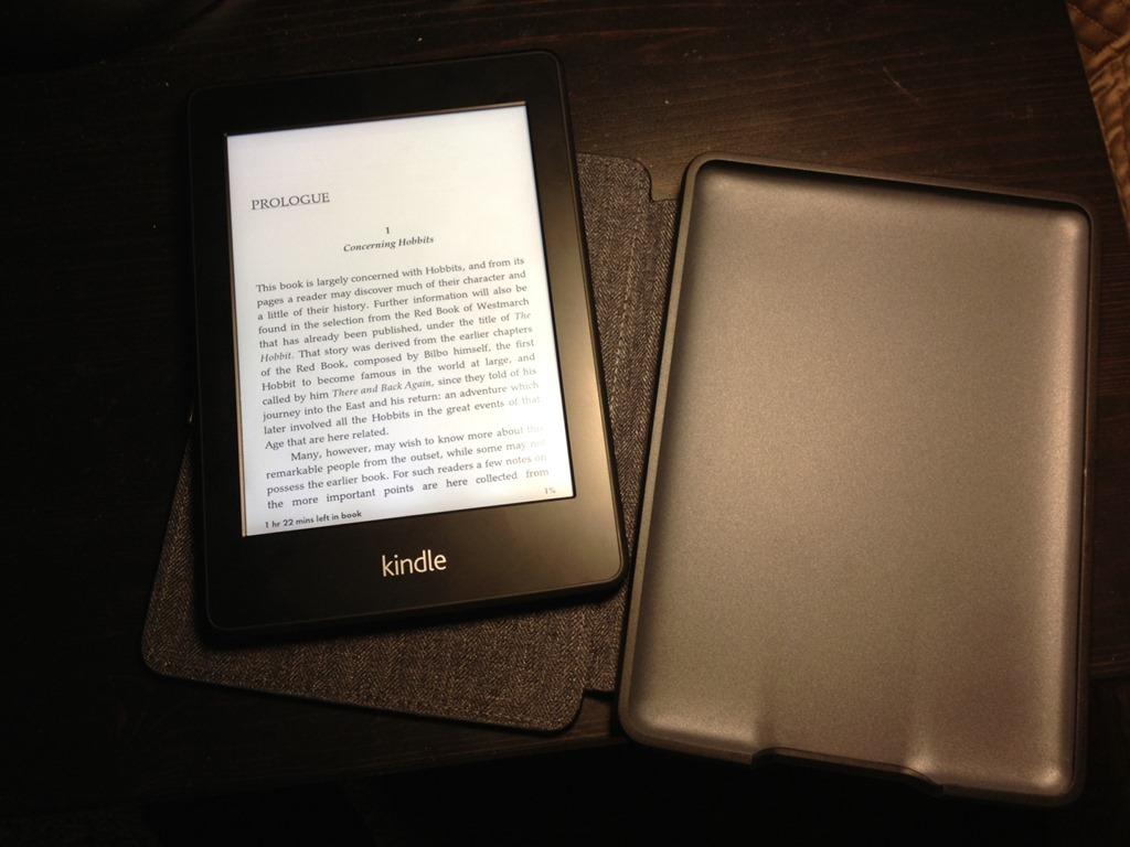 amazon kindle paperwhite gwifi review  scott hanselman - kindle paperwhite magnetic cover not assembled