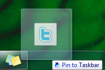 Image of Twitter in the middle of a drag-drop on the way to begin pinned to the taskbar