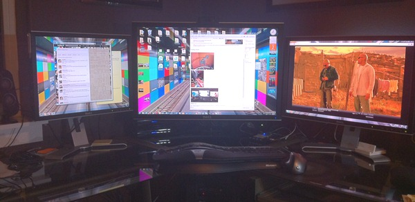 Three monitors is love