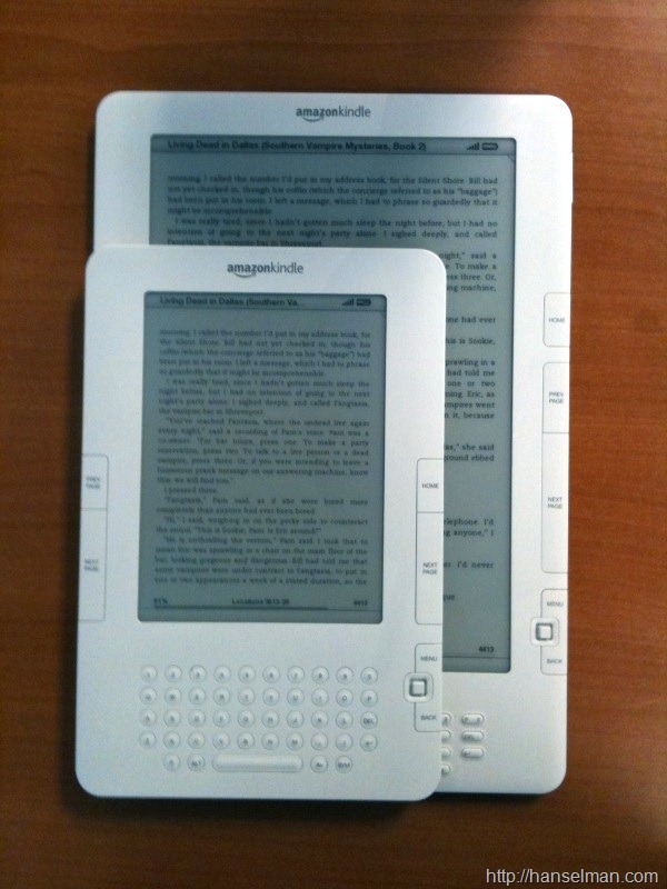 Amazon Kindle vs  Amazon Kindle DX - The Final Word - Scott
